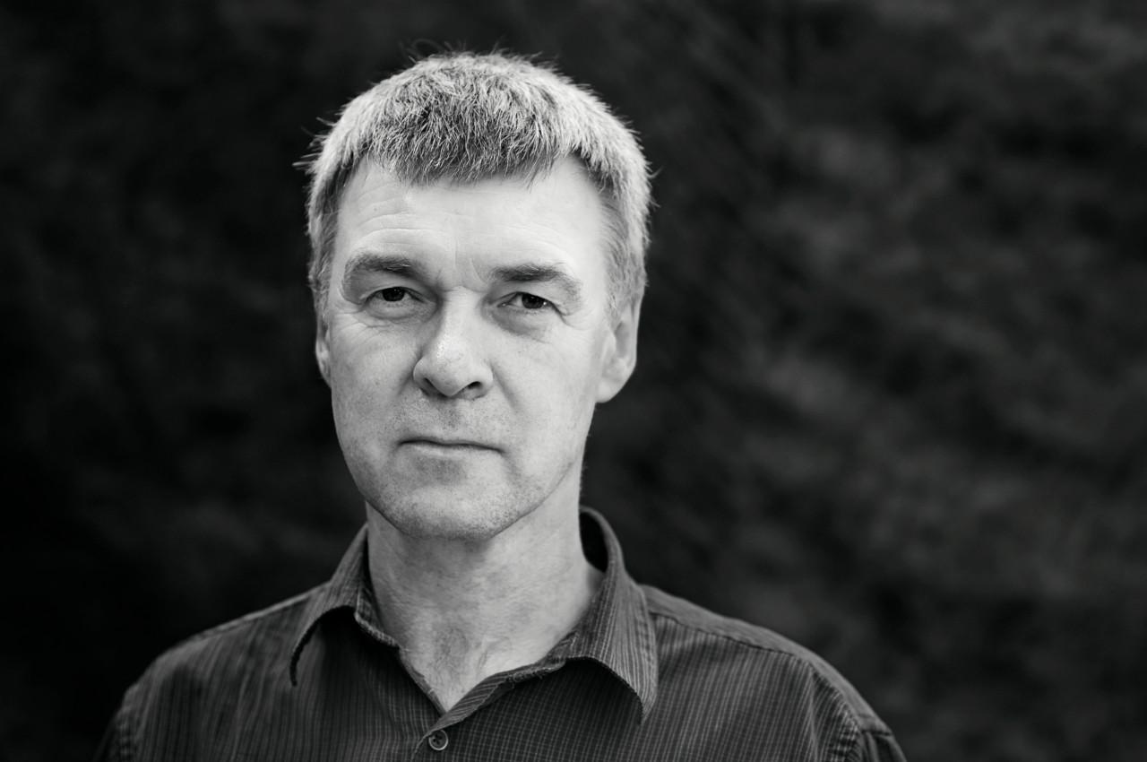 Portrait of Peter Fryer.