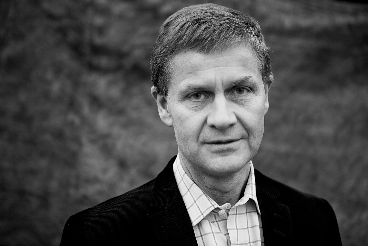 Portrait of Erik Solheim.