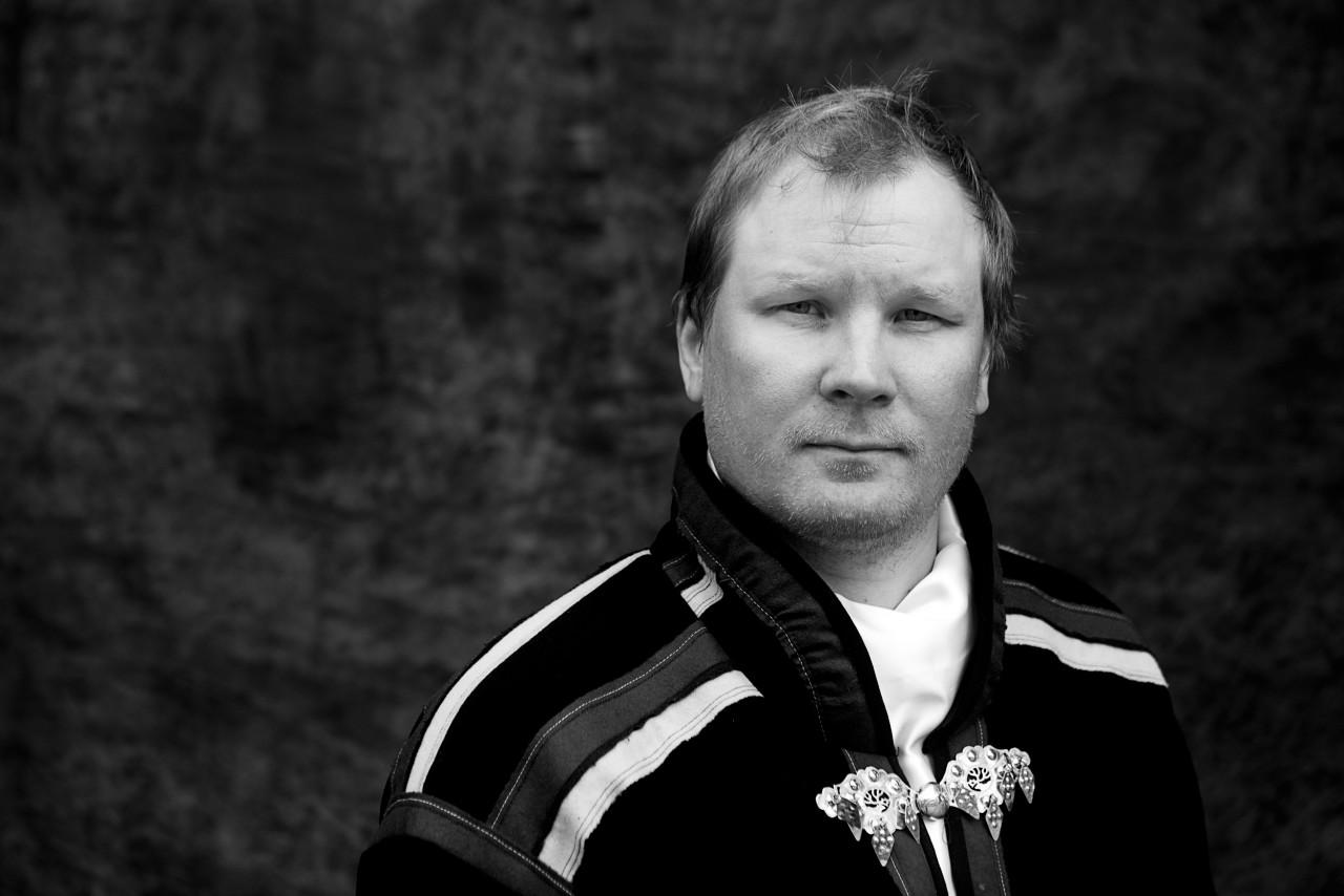 Portrait of Lars-Ánte Kuhmunen.